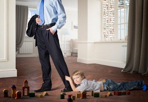 La carencia afectiva en los niños es un síntoma de que algo está mal.