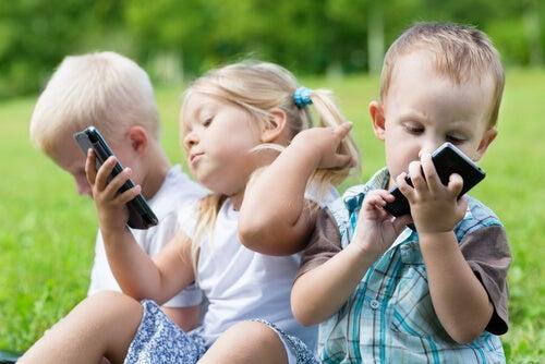 ¿Cuál es la edad y las condiciones para que nuestros hijos tengan su primer Smartphone?