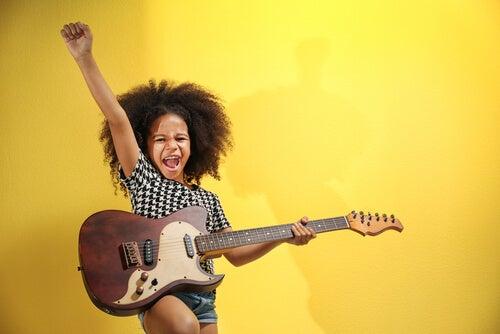 9 Beneficios de la música en el desarrollo de bebés y niños