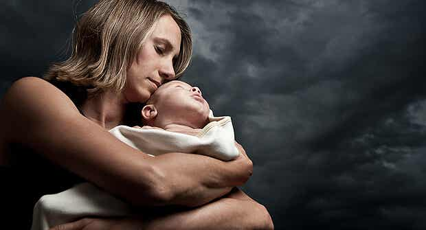 Cuando el cáncer de mama nubla la felicidad de la maternidad
