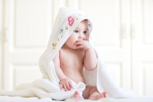 La piel de tu bebé es muy sensible, tips para cuidarla