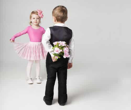 ¿Cómo actuar ante los noviazgos de los niños?