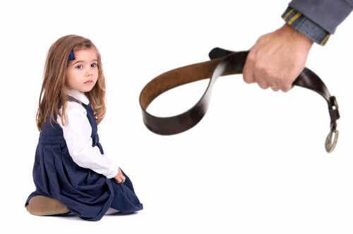 El castigo físico afecta el coeficiente intelectual de los hijos