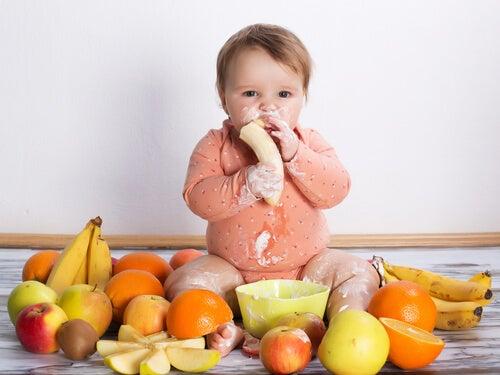Los 7 alimentos que nunca debes dar a tu bebé