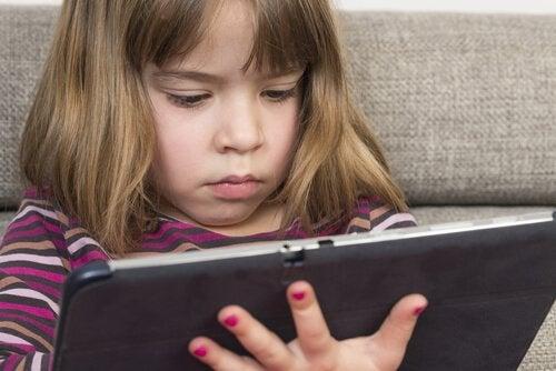 El tiempo de juego para un niño es una necesidad