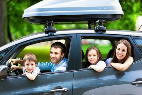 Cómo prevenir accidentes en coche cuando viajas con tus hijos