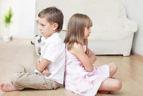 15 Consejos para controlar peleas entre hijos