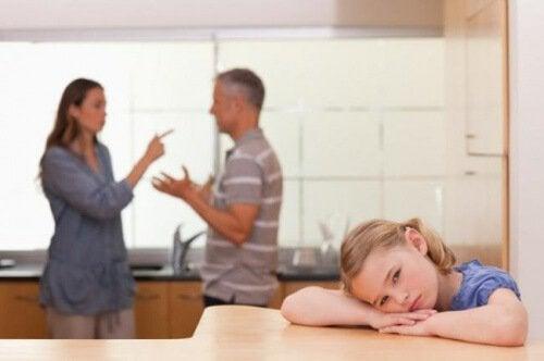 El efecto de las peleas domésticas en los niños