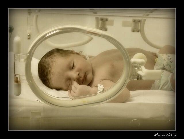 ¿Qué cuidados especiales necesita un bebé prematuro?