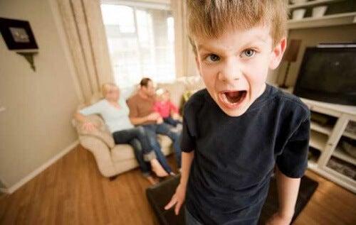 Enseña a tu hijo que no siempre puedes decir sí