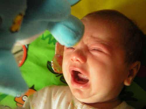 Ojos llorosos en los bebés