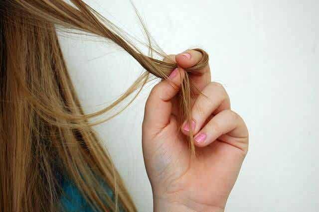 Caída del pelo en el embarazo, ¿cómo frenarla?