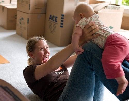 Juega con tu bebé para estimularlo