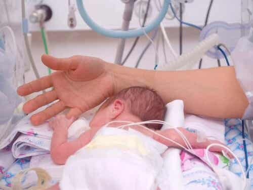 Guía para madres con bebés en cuidados intensivos