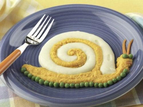 Caracol-de-patata-pescado-y-zanahoria_reference