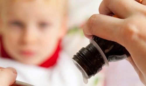 Medicamentos-que-no-debes-darle-a-tus-hijos-2-1132x670