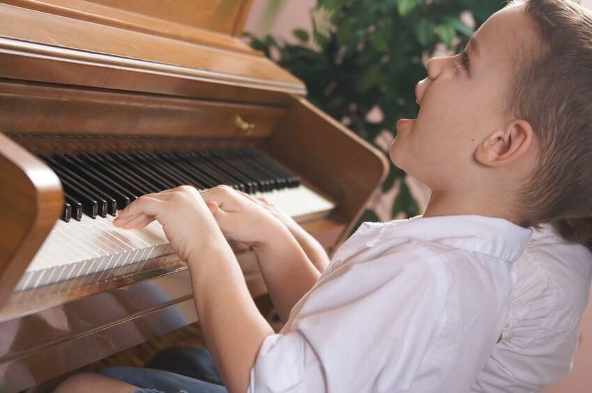 ¿Cómo desarrollar la inteligencia musical en los niños?