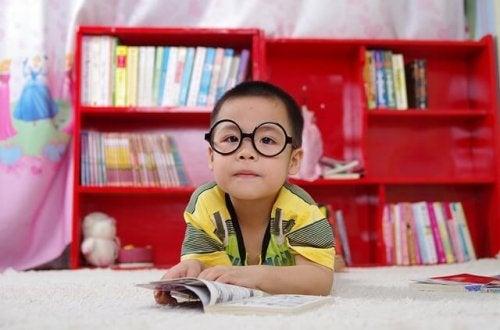 Niños con asperger, cómo tratarlos