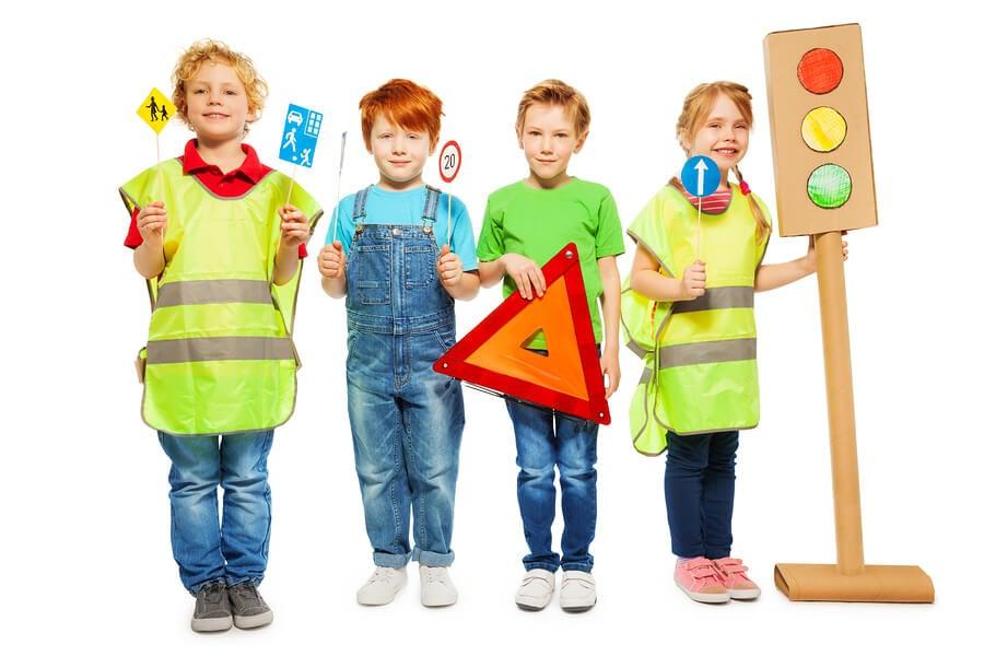 Las nociones de seguridad vial deben aplicarse desde el hogar.