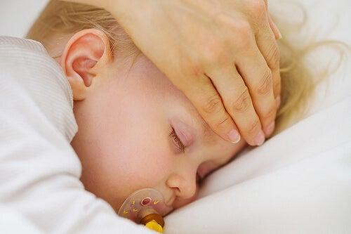 La fiebre en los niños aparece muy frecuentemente.