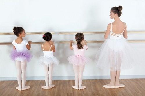 medias-capezio-para-ballet-jazz-y-tap-para-ninas-de-2-a-12-15102-MLV20096821133_052014-F