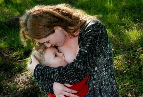 mamma-bambino-allattamento