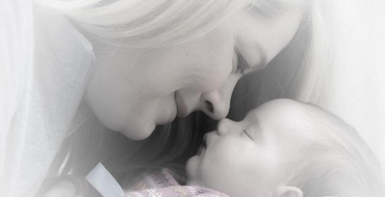 El dulce y maravilloso olor a bebé, una conexión sensacional