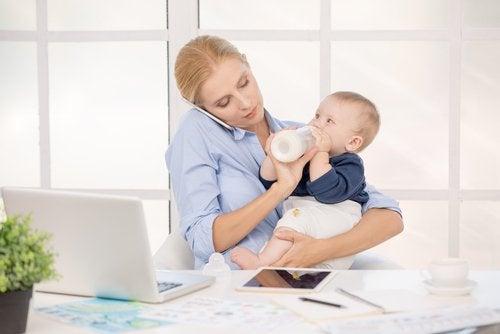 Para muchas madres la reducción de la jornada por maternidad es una herramienta fundamental para la crianza de sus hijos.