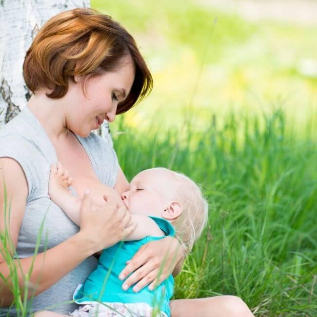 madre-dando-el-pecho