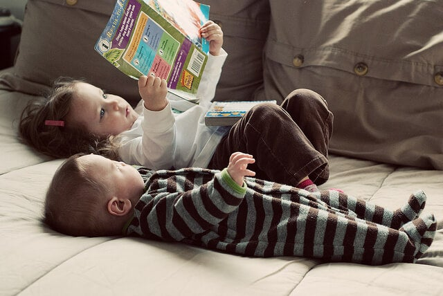 Trabajar desde casa puede ser compatible con el cuidado de los hijos