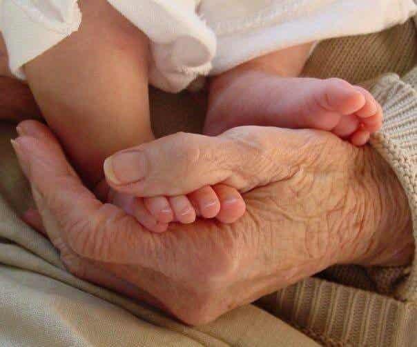 ¿Debería mi hijo vivir con sus abuelos?