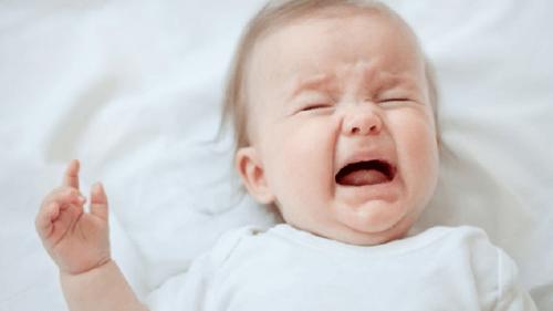 Cólicos del bebé durante la lactancia