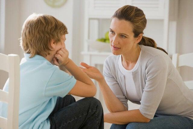 ¿A qué edad debo hablar con mi hijo sobre las drogas?