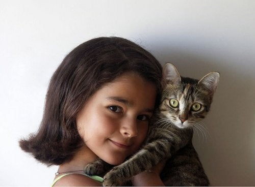 Girl_and_cat