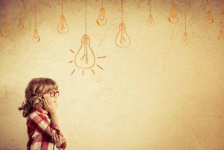 Niña-pensando-ideas