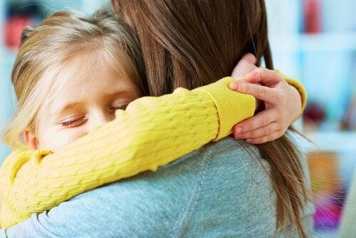 La importancia de enseñar a perdonar a tus hijos para que sean felices