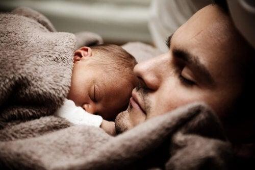 ¿Cómo cambia él tras la paternidad?