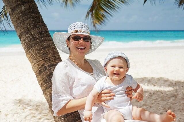 ¿Con cuántos meses puede mi bebé venir a la playa?