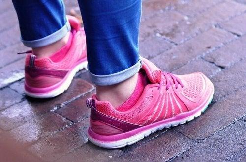 feet-965688_640