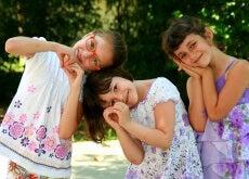 girls-946287_640
