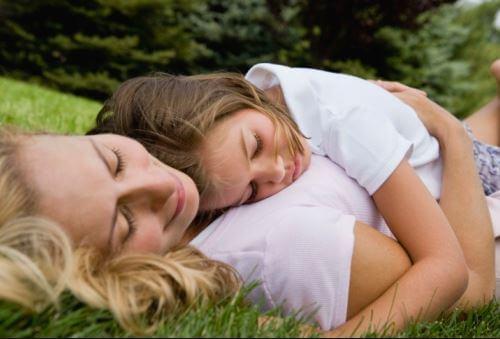 Si le das amor a tus hijos, crecerán emocionalmente sanos