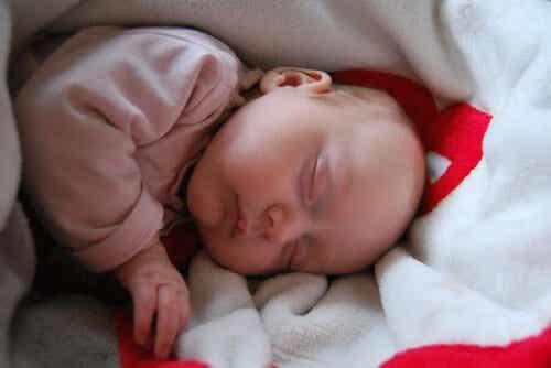 Mioclonias del sueño en el bebé