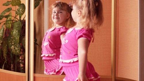 Niños preocupados por su imagen corporal.