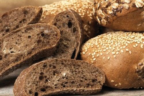 El pan integral es un excelente ingrediente para las Recetas para mujeres diabéticas para el tercer trimestre de embarazo.