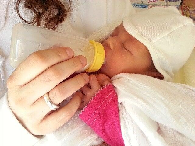 Qué dar al bebé como alimentación complementaria