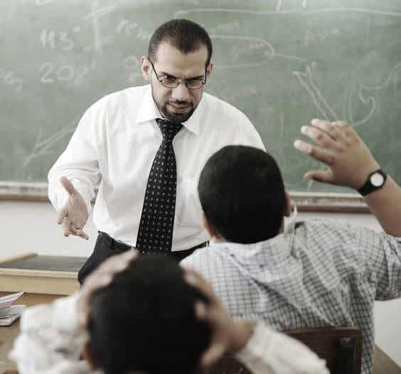 ¿Deberías creer a tu hijo si te dice que su profesor lo acosa?