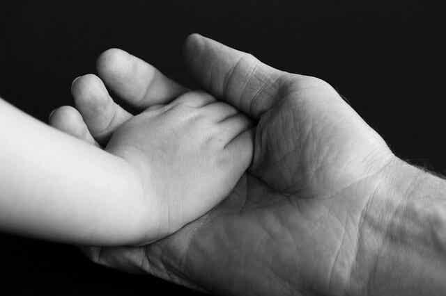 Lo que no se dice de la crianza con apego: mitos y realidades