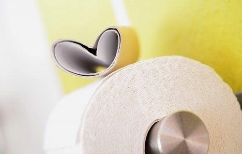 toilet-paper-627032_640