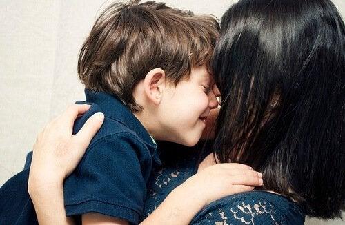 4 actitudes que hacen sentir especial a tu hijo
