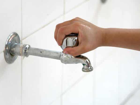 Enseña a tu hijo a ahorrar agua